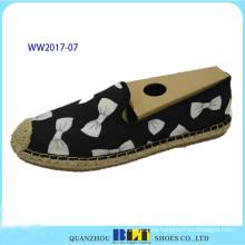 Lindos zapatos casuales de lona con lindos Patten