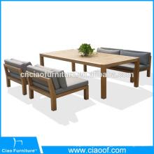 Ensemble de table et chaises en bois en teck pour l'extérieur