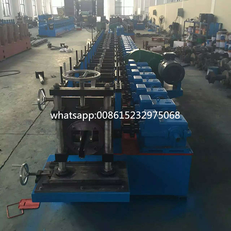 Montando Rack Roll Former Series Forming Machine