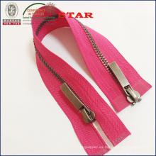 # Dos maneras de cierre de metal de cierre abierto para prendas de vestir