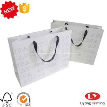 Bunte Einkaufsgeschenkpapiertüte mit kundenspezifischem Logo