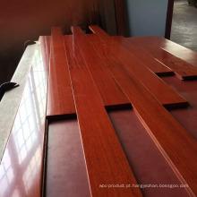 Revestimento de madeira projetado Balsamo envernizado liso matte UV