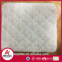 2018 new design waterproof mattress protector for home use