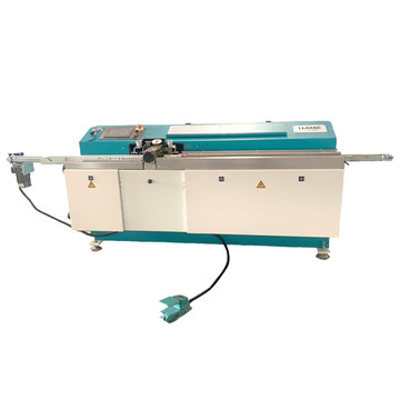 Butyl sealant coating machine for insulating glass