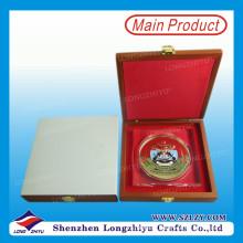Moeda de lembrança de esmalte de cor de moda moeda de maçã personalizada com caixa de madeira