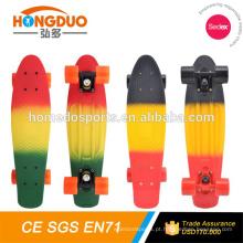 Novo skate de plástico de 22 polegadas CE / EN13613 para venda / skate de peixe skates longboard