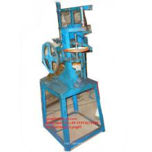 Vassoura manual da escova que faz a máquina / máquina de acolchoamento manual da vassoura / fabricante manual da máquina do topete