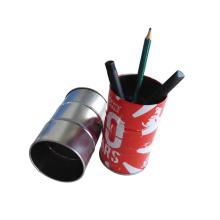 Круглый металлический контейнер для ручек