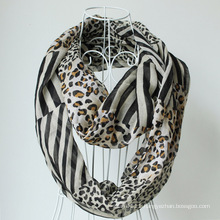 Lady Fashion Leopard Printed Polyester Voile Infinity Scarf (YKY1103)