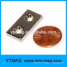 Тонкий прямоугольный магнит NdFeB с отверстиями