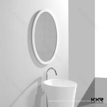 Espelho de pedra emoldurado elegante branco banheiro