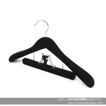 Suave acabado negro madera percha con pinza pantalones / faldas