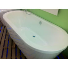 2014 fashion style freestanding spa tub with CE