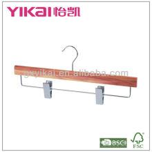 Cintre de jupe de cèdre avec clips métalliques