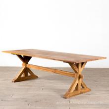 Table à manger en bois naturel