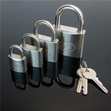 Cadena de acero inoxidable de alta calidad con llave de latón
