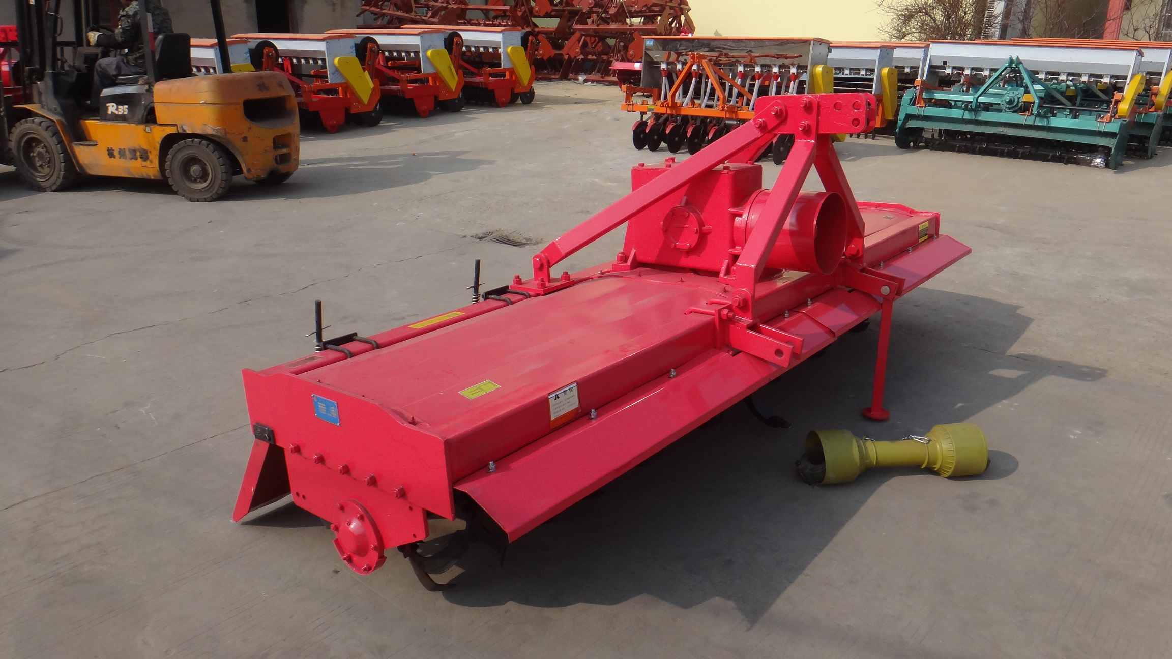 Pengusaha Farm Farmer 3-Point Tractor Pto Rotary Tiller