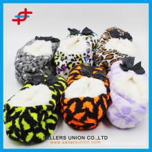 Fashion Winter Indoor Leopard Print Anti-slip Home Slipper for wholesale