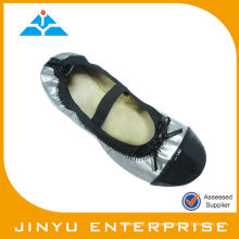 Sliver Ribbon Flat Roll Up Zapatos
