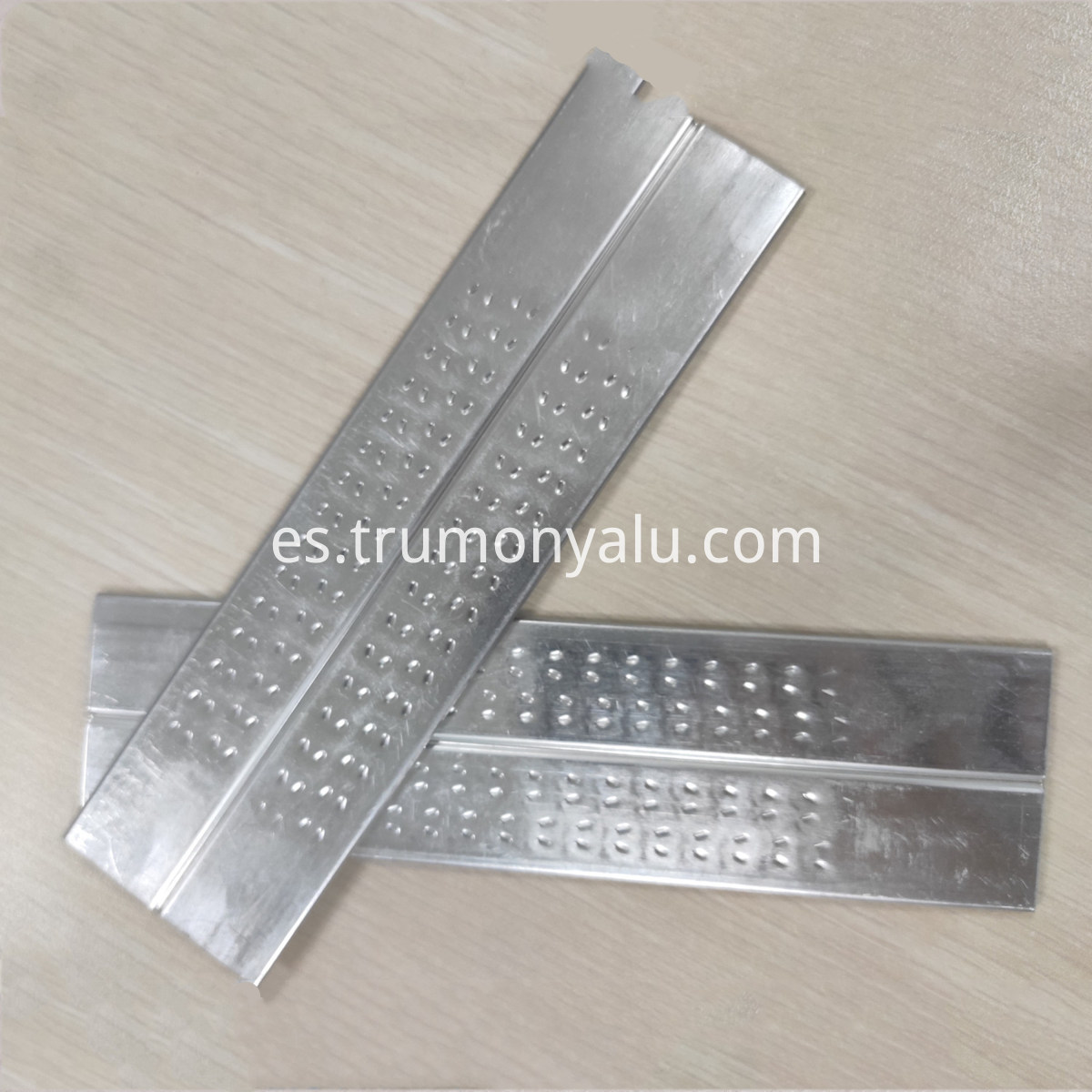 Dimple Aluminium High Frequency Tube (4)