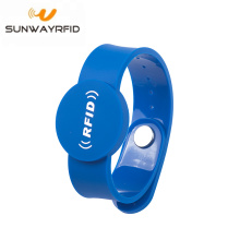 Button Tamper PVC RFID Wristbands NFC Chip Gelang