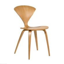 Chaises en bois célèbres de meubles à la maison de conception