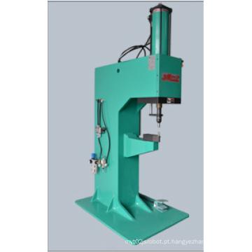 Máquina de rebitagem com cilindro hidráulico pneumático