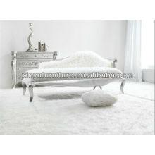 white hotel room lady sofa chair 025