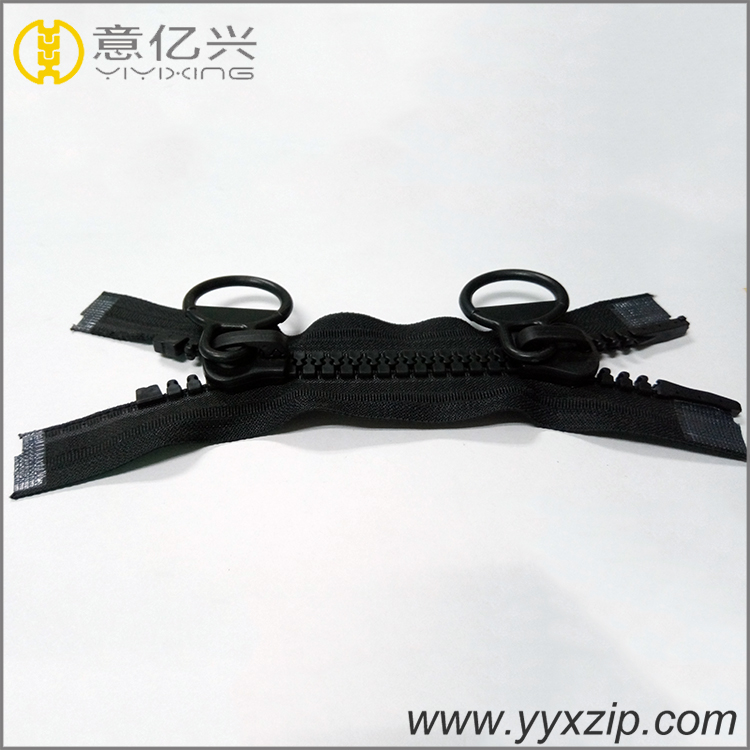 Black Big Teeth Plastic Zipper