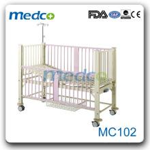 MC102 Одноручные ручные больничные кровати для детей с горкой