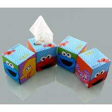 Lenços de papel embalados no carro
