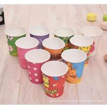 copo de papel de recipiente de bebida de café natal