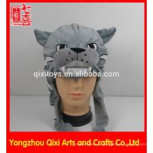 Mejor venta de cabeza felina felpa bordado sombrero felpa sombrero de cabeza de animal con fútbol