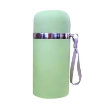 Garrafa de vácuo de cor verde