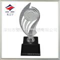 troféu de esporte plástico barato por atacado troféu irregular pela fábrica