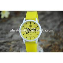 Yiwu alibaba com simple niño bebé elegante empresa reloj de cuarzo silicona ginebra