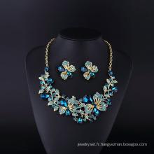 Fleur Ivone Sopphire strass et collier en cristal