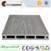 Gris claro Grano de madera en relieve WPC Decking Floor para jardín
