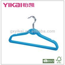 Fléchissement de cintre avec barre à encoches et pantalons