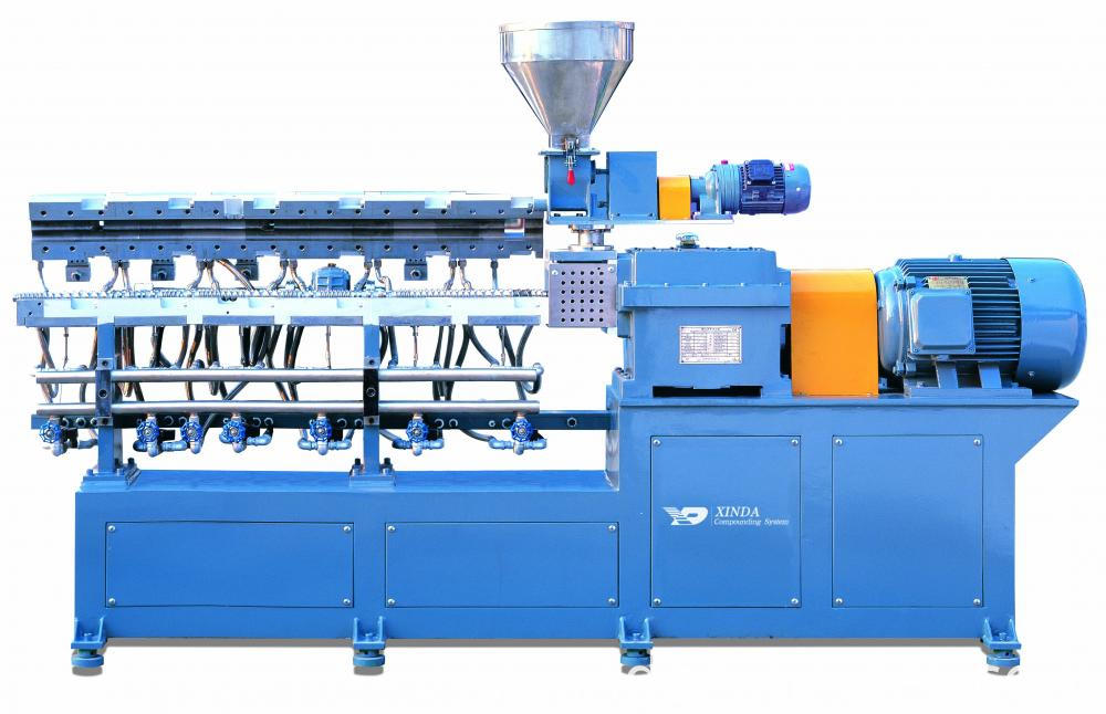 Clamshell Barrel Twin Screw Extruder 2