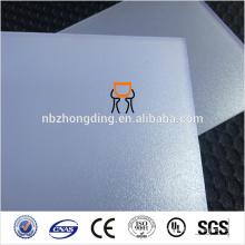 Feuille de polycarbonate diffusée par ordinateur avec protection UV