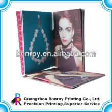 impressão de catálogos de encadernação de costura