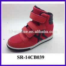 2014 los zapatos más nuevos de los niños agradables de la venta al por mayor de la manera