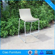 Cadeira alta de vime para móveis