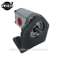 telescopic boom forklift truck and multiple hydraulic agricultural machines gear pump