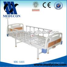 Bett Krankenhaus durch Ein-Kurbel