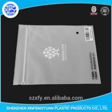 Bolsa de plástico superficie mate con ziplock y logotipo