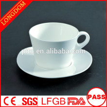 2014 hot sale factory directly porcelain coffee cup set with triangle sauce