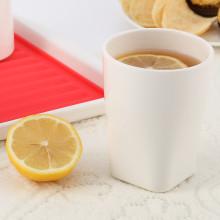 La taza 100% de los dados de la melamina fija la taza
