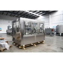 Máquina de engarrafamento de água mineral